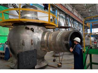 На «Петрозаводскмаше» успешно завершились приемо-сдаточные испытания мобильного токарного станка